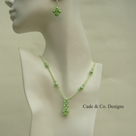 Necklace & earring set; Green pearl & faceted bead (S10)