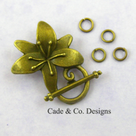Toggle fastener clasp finding: Pulmeria flower (bronze)