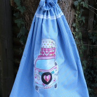Laundry bag with camper van applique
