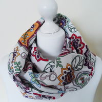 infinity scarf with retro paisley pattern