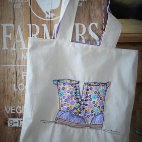 Tote shopping bag with boots applique