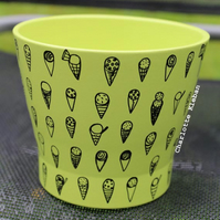 Hand drawn green ice cream pattern plant pot home decor planting