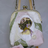 Vintage Lady Silk Frame Bag
