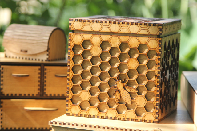 Gorgeous box featuring bees and honeycomb