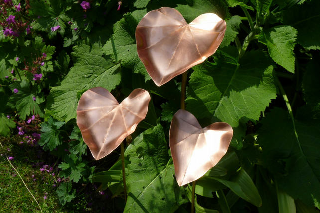 Copper leaf style bird feeder garden sculpture