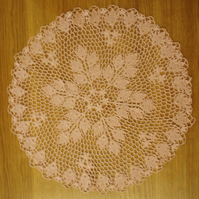 LARGE - 40cm - DARK PINK TABLE CENTREPIECE, MAT or DOILY - LOVELY LEAF PATTERN!