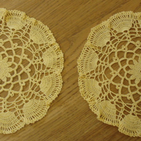 2 HAND CROCHETED COTTON TABLE MATS - IN A BRIGHT GOLD DESIGN - 23cm