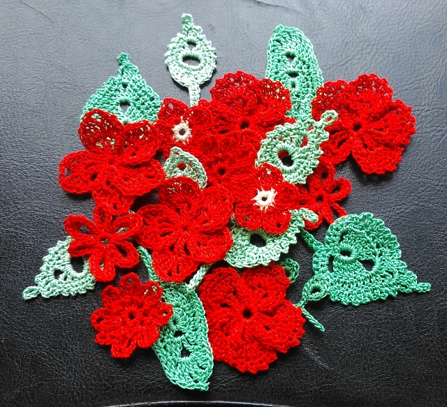 20 FLOWER & LEAF EMBELLISHMENTS - RED & GREEN - GREAT FOR ALL CRAFTS & DESIGNS