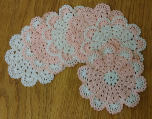 PEACHES & CREAM - SET of 6 SMALL MATS or COASTERS - 12cm