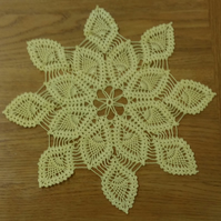 TABLE CENTREPIECE, PINEAPPLE CROCHET DESIGN - 100%  YELLOW COTTON - 33cm ACROSS