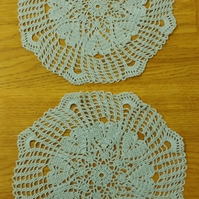 2 PALE BLUE 100% COTON - TABLE MATS or DOILIES - 23cm - LOVELY HEARTS PATTERN