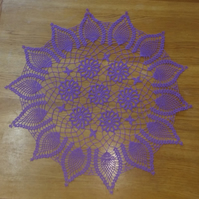LARGE 72cm  PURPLE TABLE COVER or DOILY - SWIRL DETAIL AT CENTRE, PINEAPPLE EDGE
