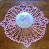 ROSE PINK - LOVELY DOILY or TABLE CENTREPIECE IN 100% COTTON - 4 POINTS ON EDGE