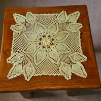 CENTREPIECE or DOILY FOR TABLE DECORATION - LARGE SQUARE WITH PINEAPPLE CORNERS