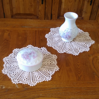 HAND CROCHETED IN 100% COTTON, PAIR OF RICH CREAM DOILIES or MATS - 21cm
