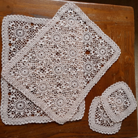 SET OF 2 PLACEMATS & COASTERS - 100% COTTON - HAND CROCHET - CHAMPAGNE