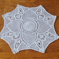 FROM A VINTAGE PATTERN - HANDCROCHETED IN 100% COTTON - TABLE DECORATION
