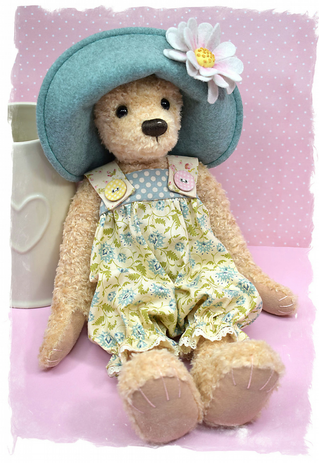 PDF - Delores Bear Pattern
