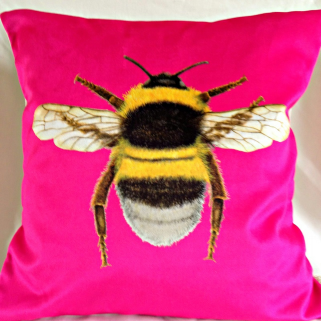 Stunning Velvet Bee Cushion in Sherbet Pink