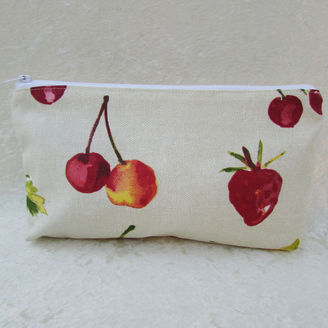 Summer fruits cosmetic bag