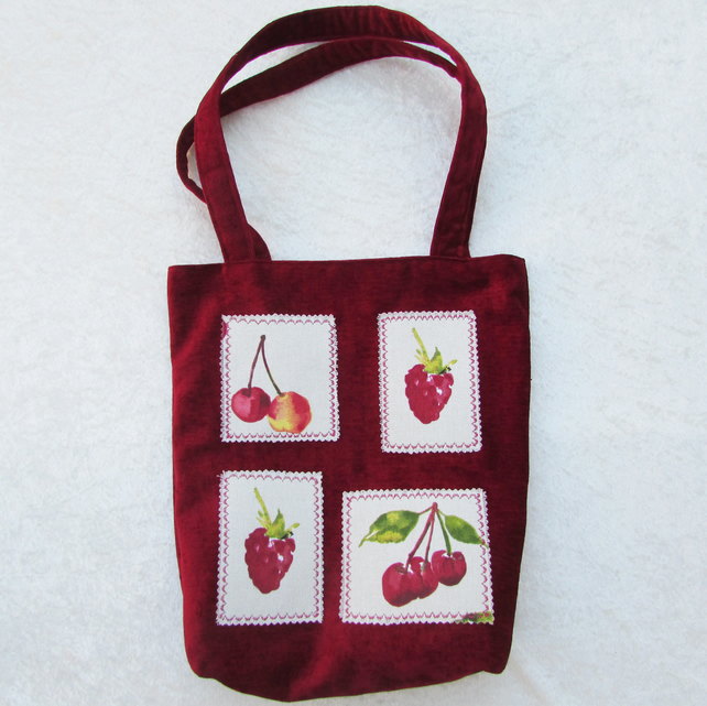 Red summer fruits tote bag