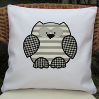 Monochrome owl cushion