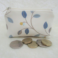 Small purse, coin purse - cream with blue leaf and berry pattern