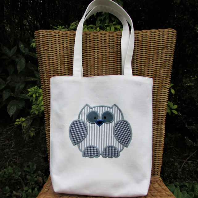 Owl tote bag - Ivory with blue and white owl