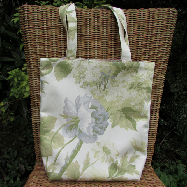 Floral tote bag - pastel green and cream