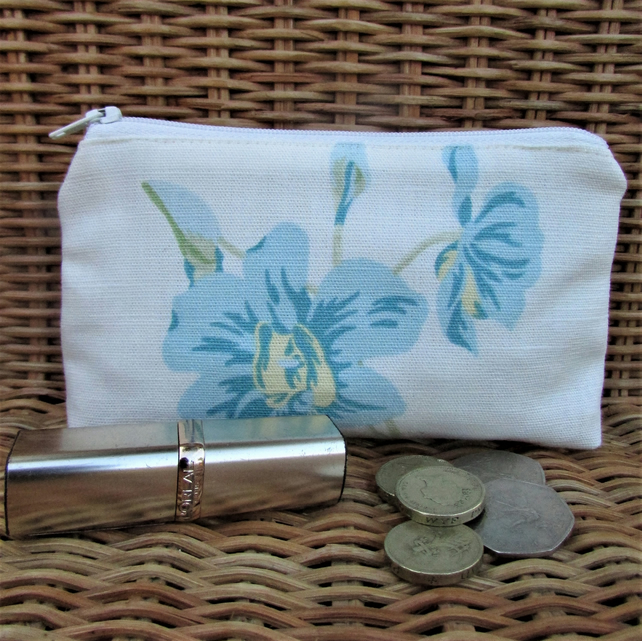 Large purse, coin purse - ivory with blue flowers