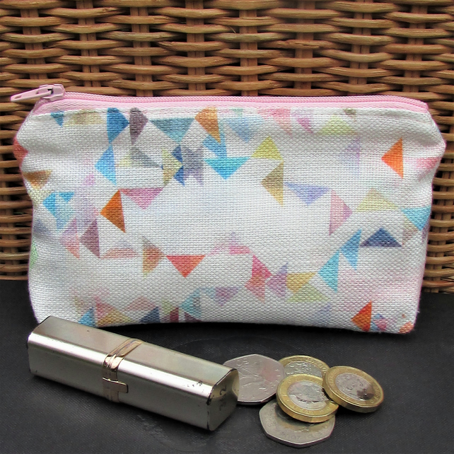 Large purse, coin purse - small triangle pattern