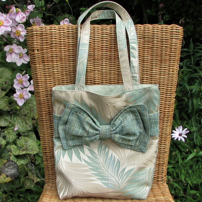 Leaf pattern tote bag, handbag with large decorative bow