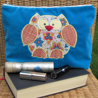 Owl toiletry bag - Turquoise with pink, turquoise and yellow floral owl