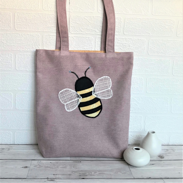 Bumble Bee tote bag in lilac with applique Bumble bee
