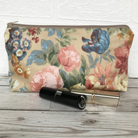 Cosmetic bag, make up bag with summer Roses and flowers