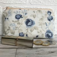 Large purse, coin purse in cream with blue roses