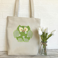 Owl tote bag in cream with green daisy print owl