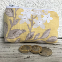 Small purse, coin purse with yellow, white and beige floral print