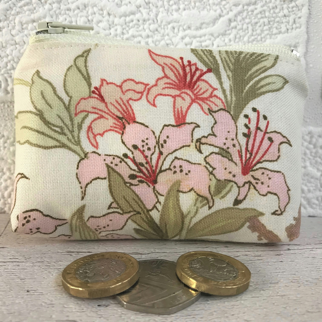 Small purse, coin purse in cream with red and pink Lilies