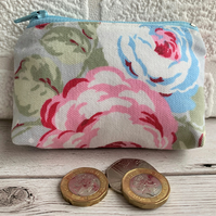 Small purse, coin purse in pale blue with pink and blue roses