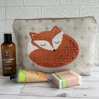 Sleepy Fox toiletry bag, wash bag in pale beige with textured terracotta fox
