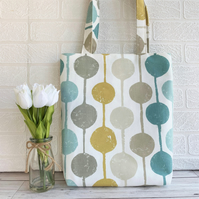 Cream tote bag with circle pattern