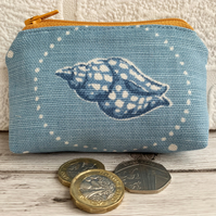 Small purse, coin purse with blue and white whelk seashell