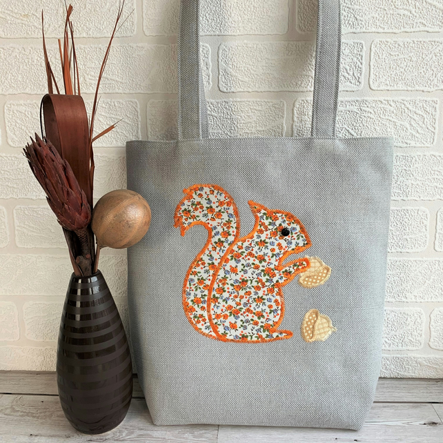 Tote bag with squirrel and acorns