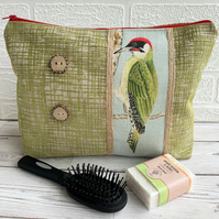 Green woodpecker toiletry bag