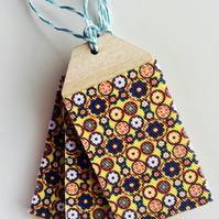 Daisy, Daisy Fabric Covered Birch Ply Gift Tag