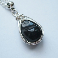 Handcrafted Silver wire-wrapped Onyx Pendant Necklace