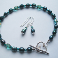 Dainty Emerald Green Pearl Bracelet with matching Earrings & 925 Sterling Silver