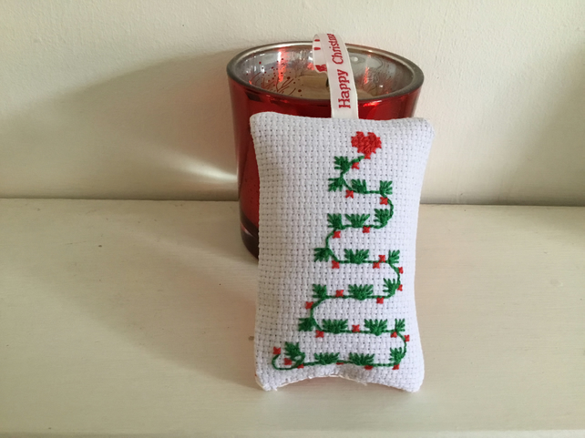 Small Christmas hanging decoration. CC244