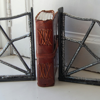 Cobweb Bookend